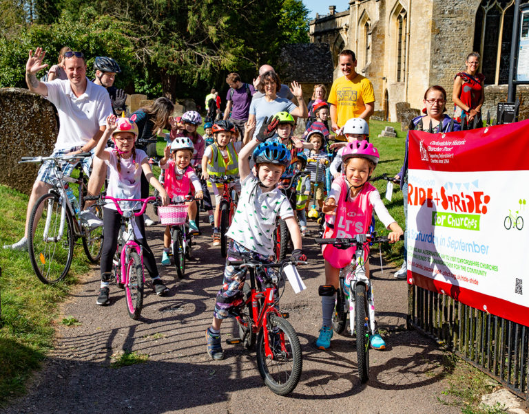An image of participants from the Charlbury Kids' Rally held as part of Ride and Stride.